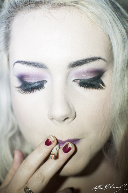 Lucy James shows her makeup skills 23rd January 2013