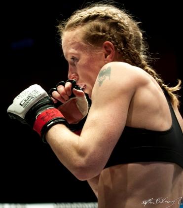 Amanda English fighting Slavka Vitaly. Cagewarriors 63, The Helix, DCU. 31st December 2013