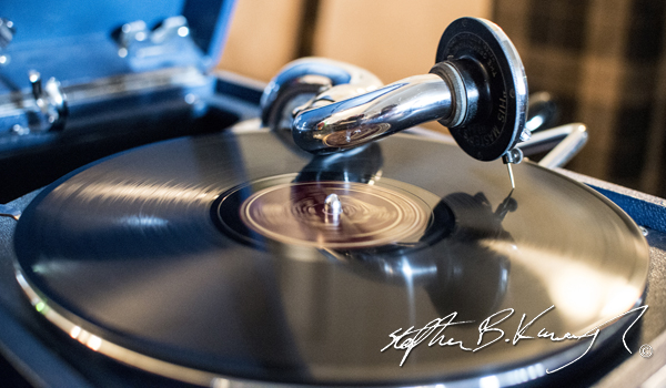 Vintage record player playing Glen Miller and his Orchestra at the Hurdy Gurdy Museum. Vintage Fashion & Decor Fair, The Royal Marine Hotel, Dún Laoghaire, Dublin, Ireland. 9th November 2014